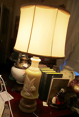 """CONSOLIDATED GLASS ALADDIN MIDCENTURY TABLE LAMP  WITH SHADE 27"""" HIGH"""