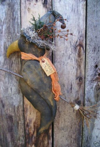 primitive PATTERN~on cd/HALLOWEEN WITCH CROW HANGER/FARMHOUSE/pt11