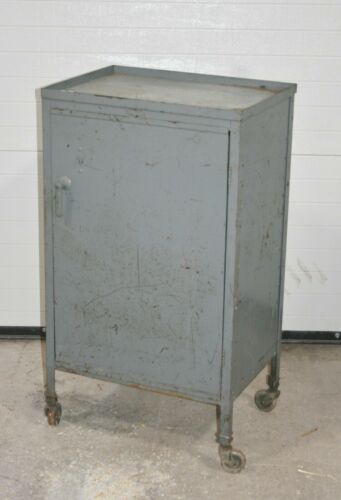 VINTAGE GRAY METAL ROLLING INDUSTRIAL CABINET CART WITH INTERIOR SHELVES