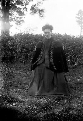 VICTORIAN/EDWARDIAN LADY Antique Photographic Glass Negative (1910s Fashion RPS)