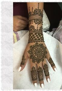 Mehndi artist for all your happy moments