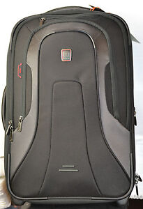 Tumi Presidio Lincoln T-Tech Frequent Business Traveler Black Carry-on 6722D