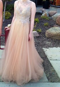 Gold/neutral gown
