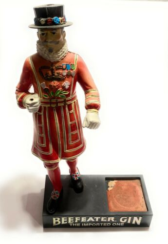 Vintage Beefeater Gin Hand Painted Bar Advertising Display Statue Good Condition