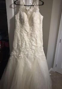 Beautiful size 3XL (18-20) wedding gown
