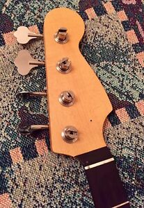Warmoth Jazz bass neck !!!!!