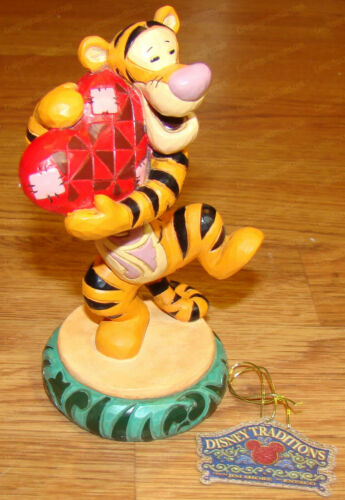 Disney Traditions by Jim Shore - TIGGER, HEARTFELT HUG (6008073) Winnie the Pooh