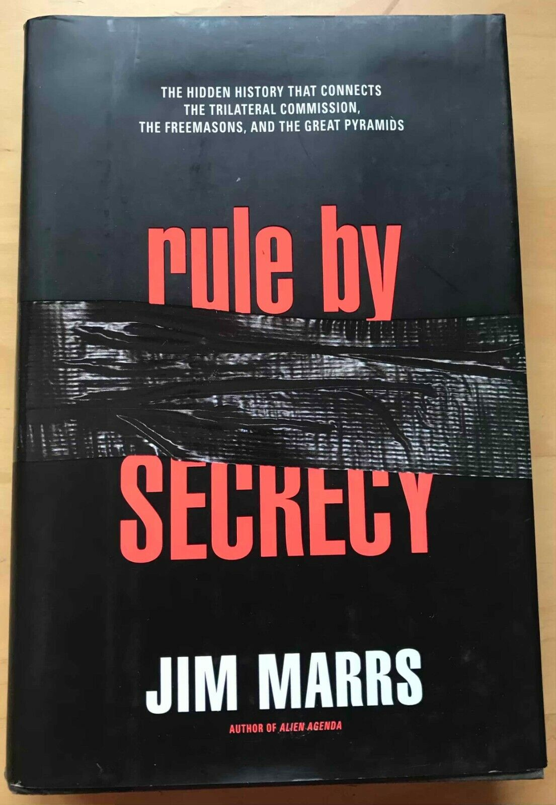 Rule By Secrecy The Hidden History That Connects The Trilateral Commision - $9.59