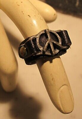 1960s Peace Sign (Rare Vintage 1960's Groovy Mod Leather Peace Sign Ring (size)