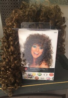 Curly wig - great for 80's party or long curly hair
