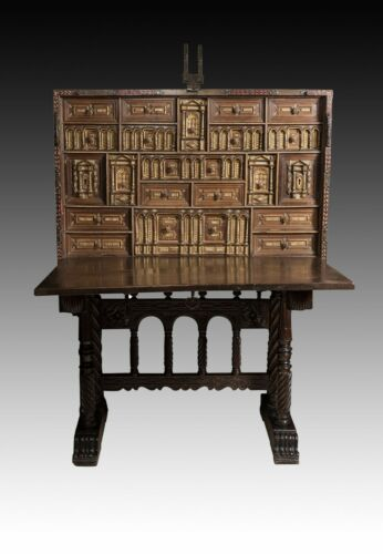 Spanish Desk 'Bargueño' Walnut 17th Century. Support 19th Century. Restored