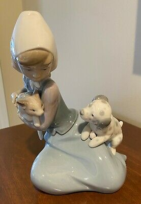 "Lladro ""Dog and Cat"" 5032 Porcelain Figurine Girl Protecting Cat from Dog"