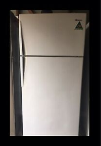 Large Westinghouse 520 Litre Fridge Freezer Free Delivery Guarantee