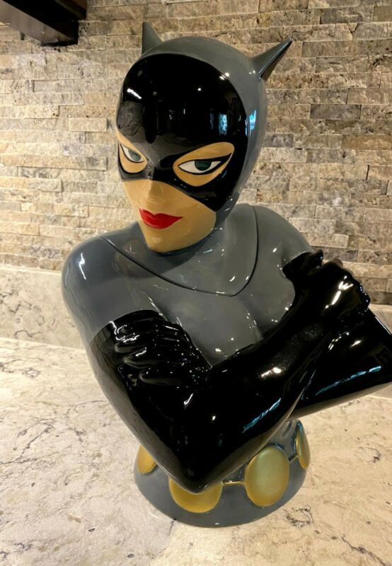"Warner Bros. - BATMAN: The Animated Series - ""CATWOMAN"" - Ceramic Cookie Jar"