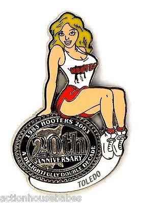 HOOTERS RESTAURANT 20th ANNIVERSARY GIRL TOLEDO  LAPEL BADGE PIN