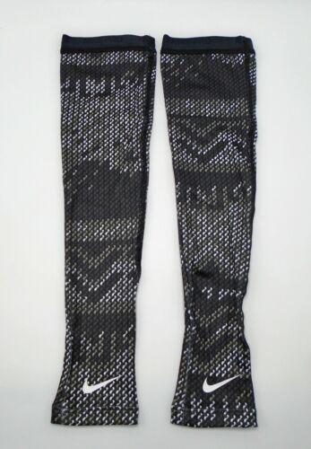 Nike Pro Hyperwarm Arm Sleeves Adult Unisex XS/S Black/White