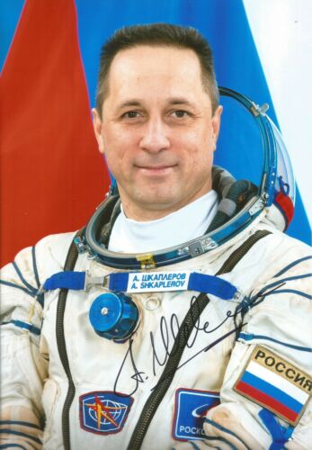 Autographed photo/ cosmonaut Shkaplerov/ Movie to be shooted at ISS/ COA