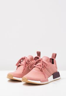 BRAND NEW Original Adidas NMD_R1 Sneakers in Rose Size 8.5
