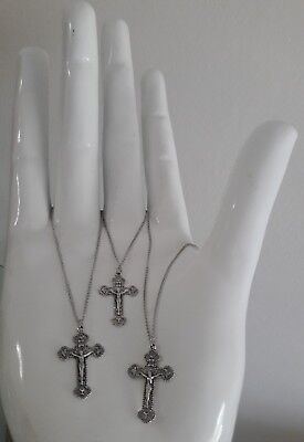 (Lot 3 Bread of Life Cross Crucifix Pendant Necklace Chain)