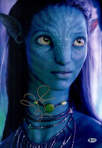 ZOE SALDANA Signed AVATAR 12x18 Photo IN PERSON Autograph BAS COA