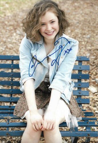 Ashleigh Cummings Autogramm signed 20x30 cm Bild
