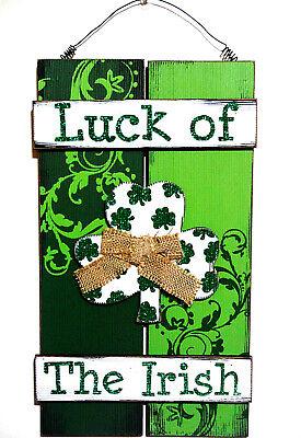 IRISH ST PATRICKS DAY PLANK STYLE HANGER.