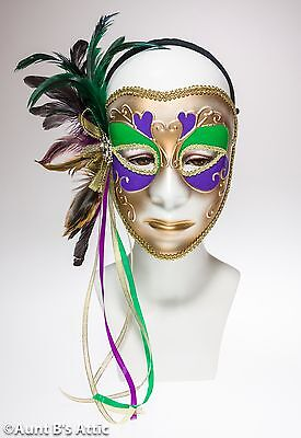 Mardi Gras Maske Gold Grün & Lila Plastik Weiblich Gesicht mit Federn & Bänder