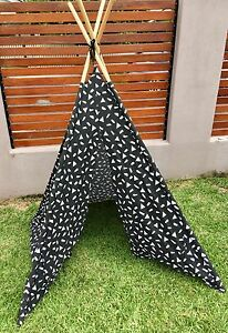 Kids cool tee pee tent / cubby $15 Annerley Brisbane South West Preview