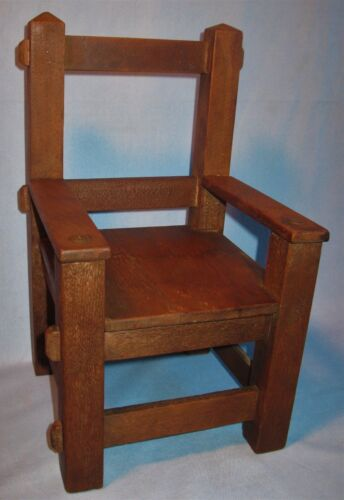 ANTIQUE MISSION/ARTS & CRAFT STYLE FUMED OAK MORTISE & TENDON DOLL/BEAR CHAIR