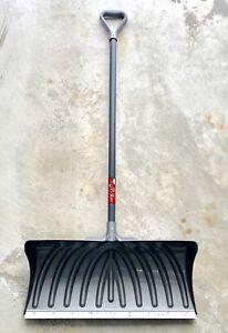 """Pelle à neige 27"""" Snow shovel"""