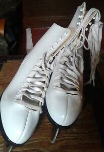 Woman's  size 8 figure skates