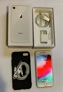 Unlocked iPhone 8, 64 GB, Silver, Mint condition