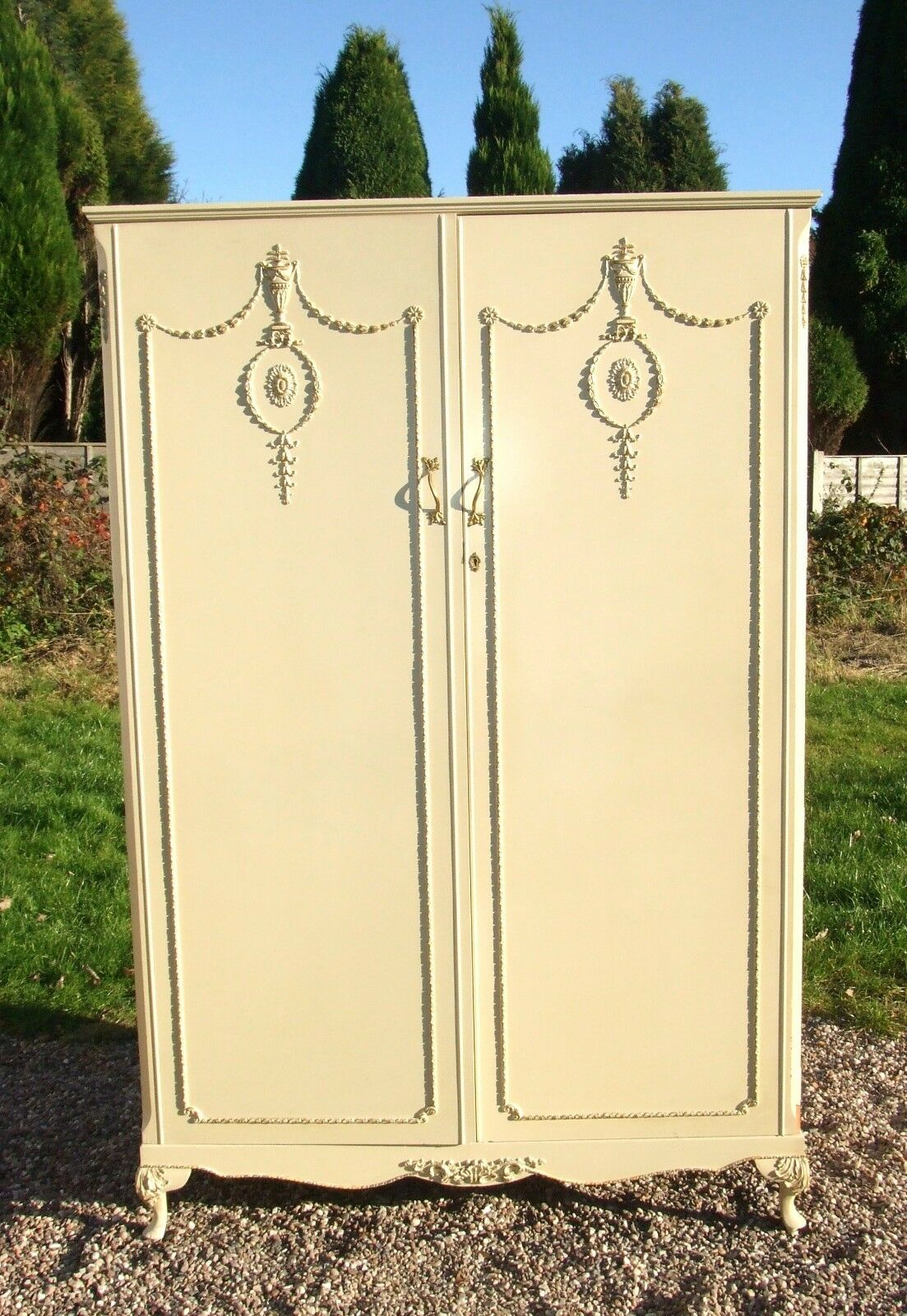 Cream Louis Style Double Wardrobe with Rail/Shelf & Full Length Mirror