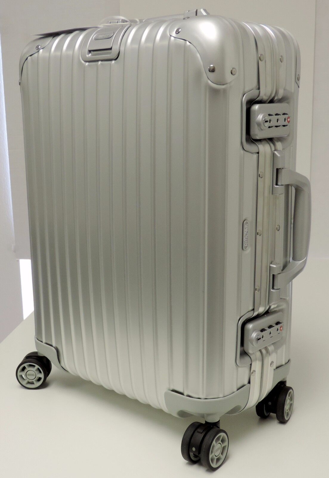 cabin multiwheel rimowa topas vip side cabins luggage