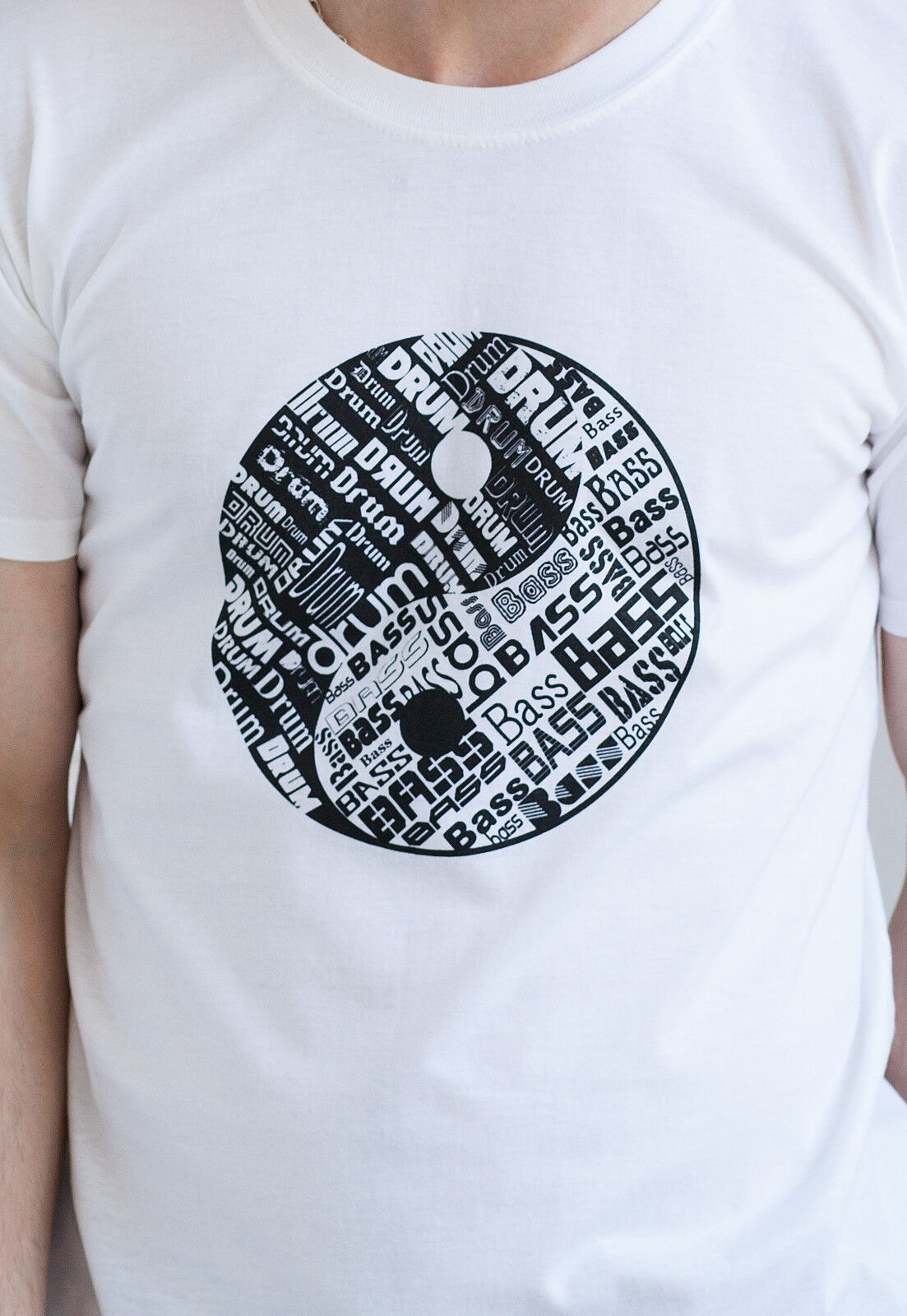 Drum and Bass T Shirt n & Yin Yang DJ Music Synth DnB EDM Junglist Tee Men Women