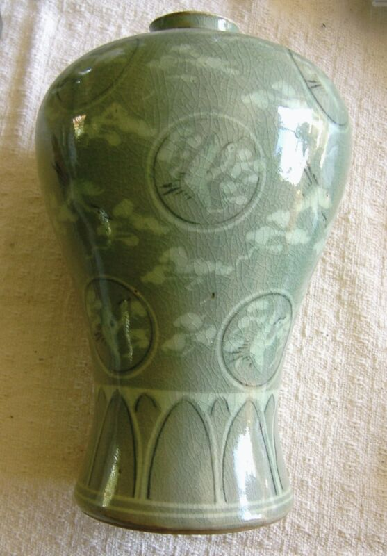 ANTIQUE KOREAN CELADON VASE HAND MADE & PAINTED - SIGNED