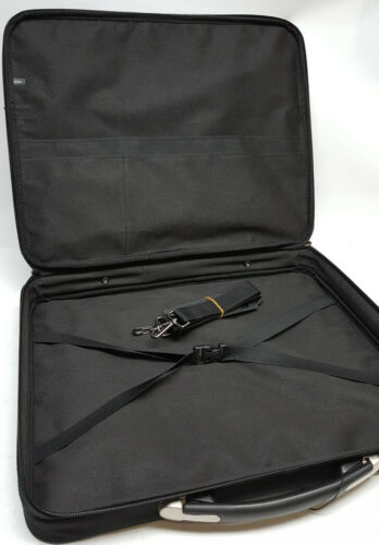"""Cool portfolio case for the artist 14"""" X 18"""" to protect your projects and work"""