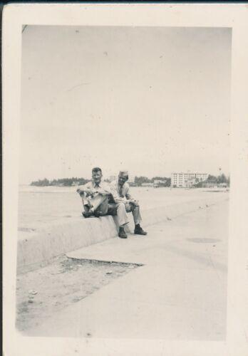 1940s WWII  2 GI
