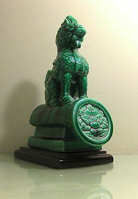 SMALL REPLICA CHINESE GLAZED POTTERY FU FOO DOG ROOF TILE WITH BASE