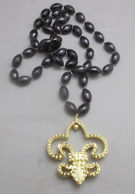 Mardi Gras Beads Footballs Black And Gold Fleur de Lis New Orleans March 5](Black And Gold Mardi Gras Beads)