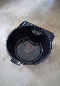 8 liter Oil Drain Pan and Funnel Morayfield Caboolture Area Preview
