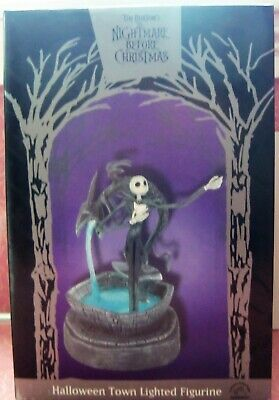 NIGHTMARE BEFORE CHRISTMAS HALLOWEEN TOWN LIGHTED FIGURINE JACK SKELLINGTON NRFB](Halloween Town Games Disney)