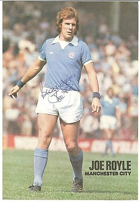 Joe Royle, Manchester City Man City signed autographed football book picture.
