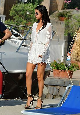 Selena Gomez Unsigned 8x12 Photo (89)