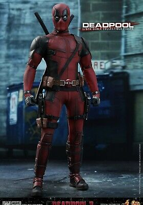 Hot Toys MMS 490 Deadpool 2 Ryan Reynolds Wade Wilson 1/6th Scale Figure