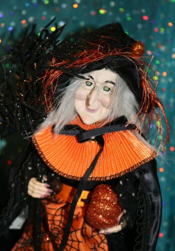 HALLOWEEN Witch 16