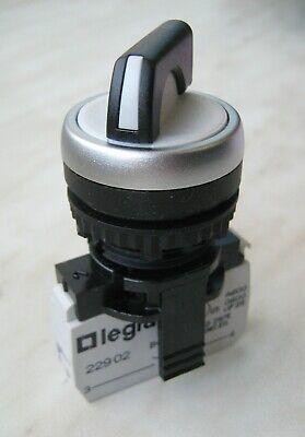 Legrand Osmoz Selector Switch 2p Stay Put No 250v Ip66 22mm Black