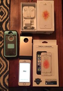 """Mint Condition iPhone SE - 16 GB """"gold"""""""