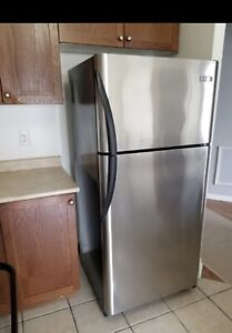 """Excellent working 30""""w Frigidaire FRIDGE can DELIVER"""