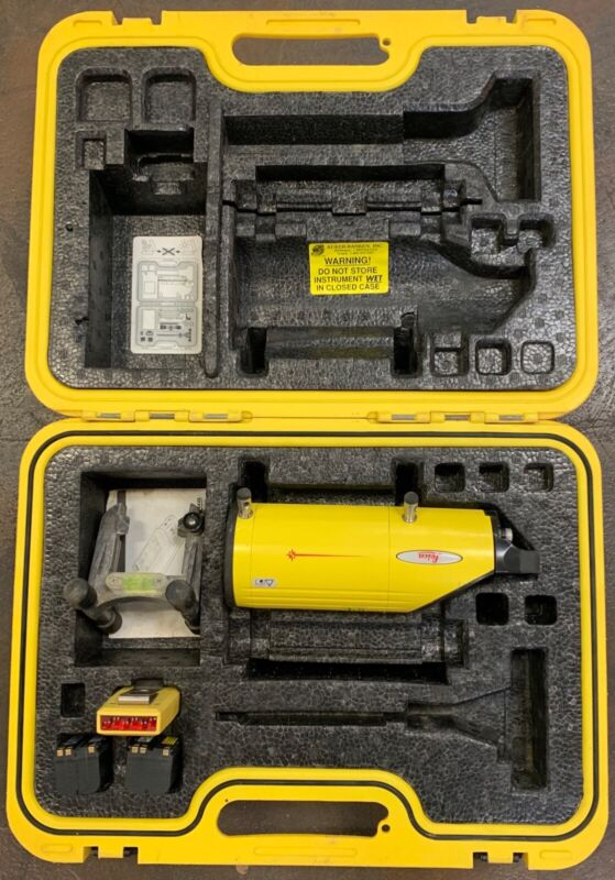 USED Leica Piper 100/200 Red Beam Pipe Laser With Accessories.